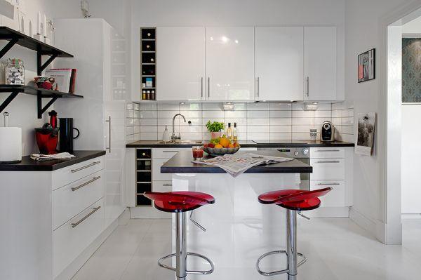 белая плитка на кухне